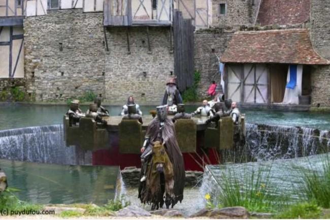 Les services proposés aux 2,2 millions de visiteurs annuels au Puy du Fou doivent être fluides. (crédit : D.R.)