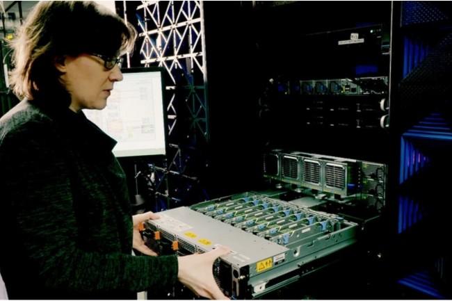 Hillery Hunter, ingénieur etIBM Fellow, a développé un logiciel donnant accès à des vitesses de traitement jamais atteintessans précédent sur les traitements GPU. (Crédit : IBM)
