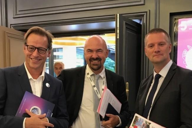 Lors de l'Université d'été Hexatrust, (de gauche à droite) : Jean-Noël de Galzain, président d'Hexatrust, Thierry Delville, du ministère de l'Intérieur, et Guillaume Poupard, directeur général de l'ANSSI.
