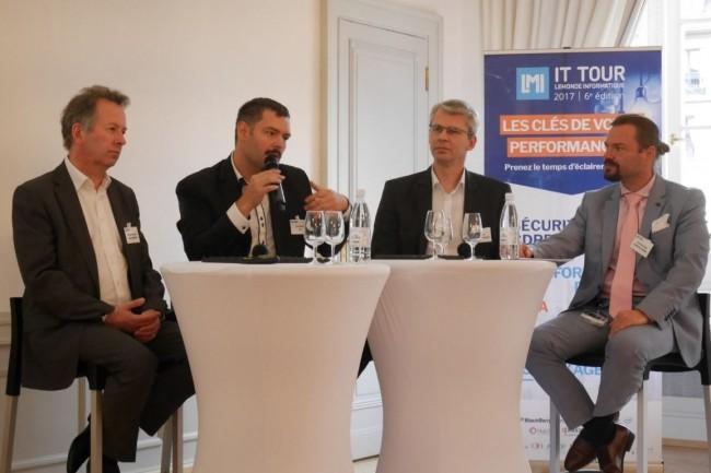 Le plateau d'intervenants de l'IT Tour à Strasbourg jeudi 19 octobre était composé d'Emmanuel Brunstein (DOSI de N Schlumberger), Alexis Rozier (Directeur informatique de SFA), Serge Chavant (DSI à temps partagé) ainsi qu'Alexandre Diemer (RSSI Conseil de l'Europe et Membre du Cesin). crédit : LMI
