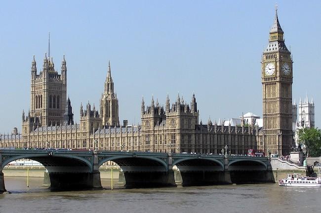 Le Parlement britannique a remplacé son système téléphonique cuivre par Skype for Business(Crédit Wikipedia/Adrian Pingstone)