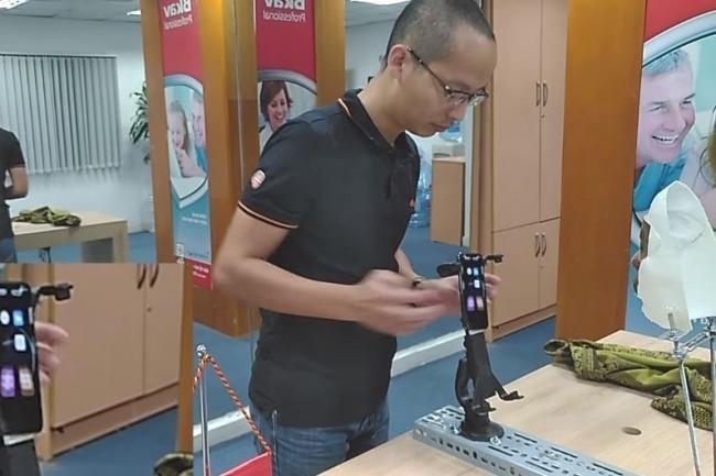 Une vidéo publiée par Bkav montre le déverrouillage d'un iPhone X avec un masque 3D. (crédit : Bkav)