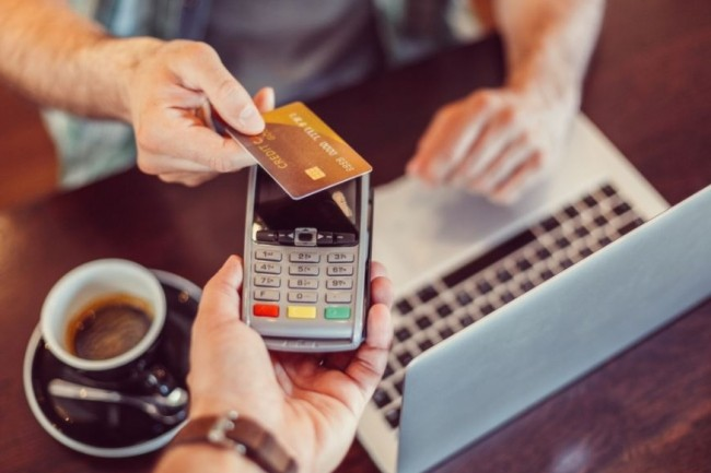 Le paiement sans contact diminue le temps passé en caisse et constitue un vecteur d'amélioration de l'expérience d'achat. (crédit : D.R.)