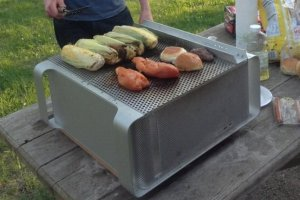 Des Mac Pro transform�s en barbecue ou banc public