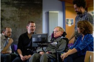 Intel ouvre le code du syst�me con�u pour Stephen Hawking