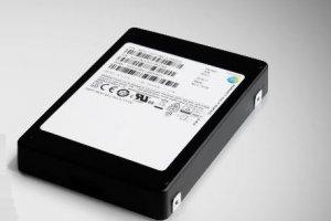 Des puces 3D dans le SSD 32 To de Samsung