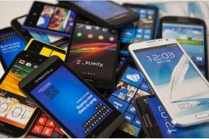 Smartphones : ventes ralenties dans l'attente des nouveaut�s