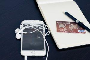 L'UE menace d'ouvrir des enquêtes antitrust dans l'e-commerce