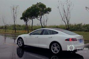 Des chercheurs chinois contr�lent � distance une Tesla S