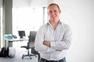 Abas France nomme Leonard Glab Frontera au poste de directeur marketing