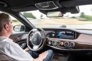 Daimler s'engage à fournir des voitures autonomes à Uber