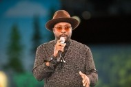 Pourquoi Salesforce Ventures investit dans le chatbot de Will.i.am