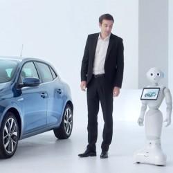 Renault a déployé, dans son réseau commercial France, près de 120 robots Pepper . (Crédit Renault)