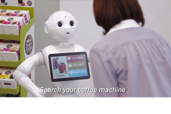 Au Japon, Nestl� annonce qu'il va d�ployer 1 000 robots dans ses boutiques pour renseigner les clients.