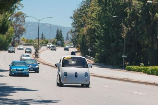En obtenant l'autorisation de faire circuler sa voiture autonome, Google avance dans la phase de tests de sa Google Car.