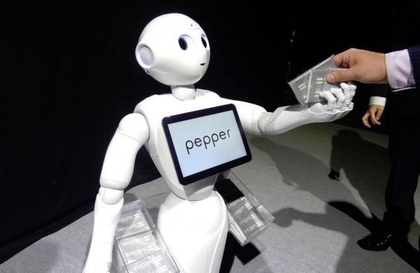 Apr�s le vif succ�s qu'il a rencontr� dans le grand public, le robot Pepper va assister les entreprises pour le service au client (cr�dit : Tim Hornak/IDGNS).