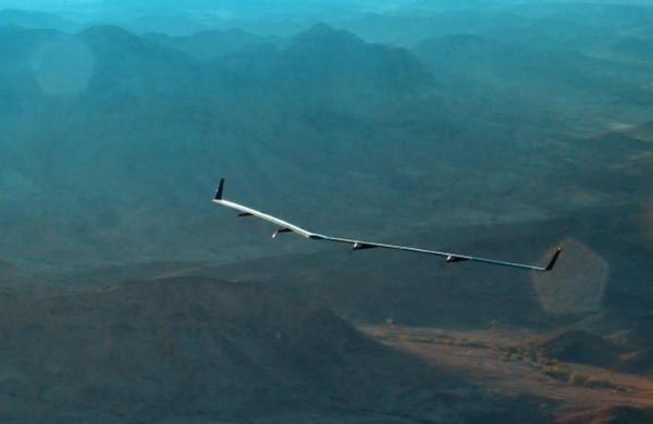 Facebook a r�ussi le vol d'essai de son drone Aquila qui doit fournir une connexion Internet tr�s haut d�bit aux populations n'y ayant pas acc�s.