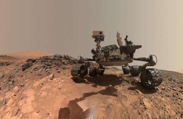 Le rover Curiosity en mission sur Mars depuis ao�t 2012 a b�n�fici� d'une mise � jour lui apportant des capacit�s en intelligence artificielle.