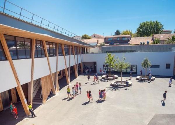 Selon le journal Sud Ouest, 40 écoles sur les 101 de la ville de Bordeaux ont été infectées par un rançongiciel.