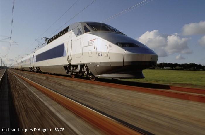 La SNCF bascule vers le « cloud first » en manageant ses accès multi-clouds