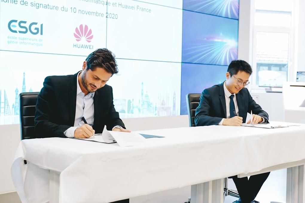 Huawei France signe un partenariat avec l'Ecole Supérieure  de Génie Informatique portant sur la formation et la certification  des professeurs et étudiants