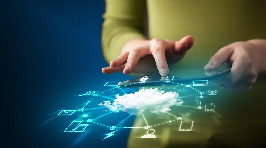 Synology Drive permet d'héberger son propre cloud à domicile et au bureau, rendant ainsi possible le travail en continu sur plusieurs ordinateurs à l'aide de l'application de bureau