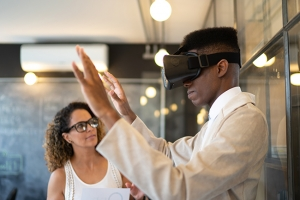 Comment les stations de travail int�grant la r�alit� virtuelle facilitent la formation et la collaboration