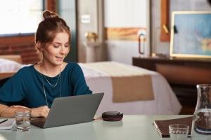 Solutions Poly pour les r�unions : au bureau comme en mobilit�