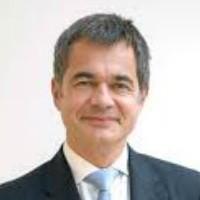 SSII : Eric Dermont, Pdg d'Effitic, rachète Polymont et une partie de T Systems France