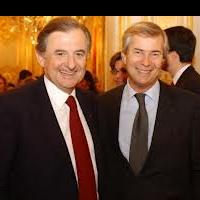Jean-René Fourtou (à gauche) et Vincent Bolloré, respectivement président et vice-présisdent du conseil de surveillance de Vivendi
