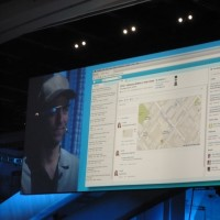 Avec Salesforce1, Philips a connecté son support client directement sur son équipement médical EQIP 7. Ci-dessus, le technicien intervient avec les Google Glass. (Crédit : LMI)