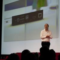 Devant un parterre de journalistes chauffés à blanc, Xavier Niel a présenté la Freebox 4K Mini, un dispositif dont le boitier sous Android TV peut délivrer des images en ultra haute définition. (crédit : O.B.)