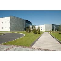 Avec 13 000 m² de surface, le centre de données de Marcoussis est le plus important des bâtiments que Data4 exploite en Europe. Crédit photo : D.R.