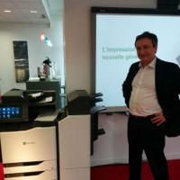 Etienne Maraval, directeur marketing de Lexmark France, explique que le fabricant souhaite se concentrer sur le développement de logiciels et de services pour accompagner ses produits. (Crédit D.R)