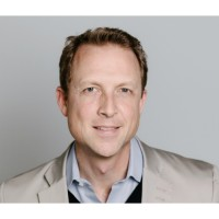 Hank Humphrey a été nommé directeur du channel et des ventes mondiales de Dropbox en mai 2015.