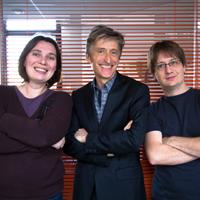 En photo : L'équipe dirigeante de Kaliop, Françoise Nauton-Inglis, Directrice Générale, Pierre Deniset, Président, et Gilles Guirand, Directeur Technique.