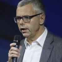 Michel Combes, PDG de SFR, sera reçu par le 2 août par la ministre du Travail Myriam El Khomri suite à l'annonce d'un vaste plan de réduction d'effectifs. (Crédit: D.R.)