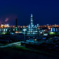 D'après les revendeurs, les secteurs du gaz et du pétrole sont les moins prompt à s'équiper de technologies liées à l'internet des objets. (crédit photo : pixabay/tpsdave)