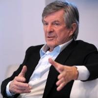 Jean-Louis Bouchard, le président d'Econocom est le chef d'orchestre de la grande réorganisation en cours au sein du groupe.