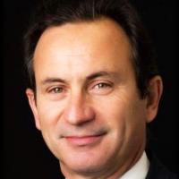 Roland Leocadio affiche 30 années d'expérience dans le développement et la gestion des ventes sur le marché des télécoms. Crédit photo : D.R.