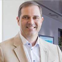 Après avoir ciblé l'éducation nationale à travers son programme de formation Networking Academy, le CEO de Cisco Chuck Robbins s'adresse aux demandeurs d'emploi. (Crédit : D.R.)