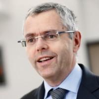 Avant Altice, Michel Combes avait été directeur général d'Alcatel-Lucent où il avait notamment mis en place le plan de restructuration « Shift ». (crédit : D.R.)