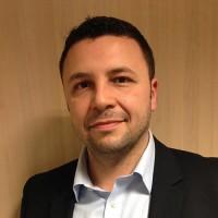 « Nous avons mis le pied à l'étrier grâce à un client important qui nous a demandé si nous savions réaliser des prestations autour des vidéoprojecteurs » explique Yazid Zerizer, le directeur des services chez Dexxon.