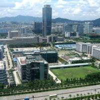 Les implantations industrielles à Schenzhen de ZTE, fabricant chinois de smartphones et d'équipements de réseaux pour les télécommunications. (Crédit : Brücke-Osteuropa)
