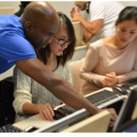 La Grande école du numérique permet en priorité à des jeunes, des personnes sans diplôme ou à la recherche d'un emploi de se former aux nouvelles technologies. (Crédit : D.R.)
