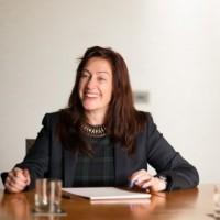 Gill Holloway a entamé son parcours chez Insight en 1996 en tant que directrice de clientèle. Crédit photo : D.R.