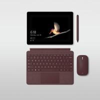 Seul le stylet est fournit avec la Surface Go. Le clavier (entre 100 et 130 €) et la souris (35 dollars) sont en supplément... (Crédit : Microsoft)