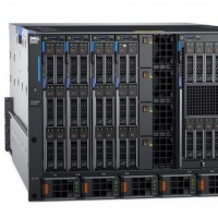 On trouve 8 lames dans le rack 7U du chassis PowerEdge MX 7000 avec plus ou moins de compute. (Crédit Dell)