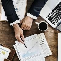 Pour son année fiscale 2018, Cheops Technology a généré 104 M€ de chiffre d'affaires. (Crédit : Rawpixel / Pixabay)