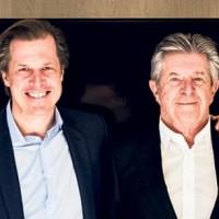 Robert Bouchard (à gauche), n'aura succédé que huit mois à son père Jean-Louis Bouchard en tant que PDG d'Econocom. Crédit photo : D.R.